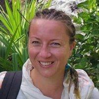 Sylvia Joris  aromathérapie, chromothérapie, sonologie,