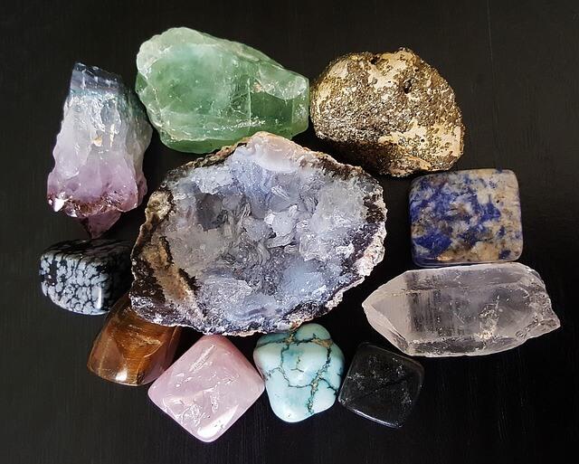 Les bienfaits et le pouvoir des pierres et cristaux : la Lithothérapie